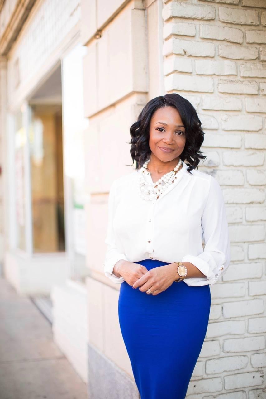 Shermikia Lemon is an entrepreneur, productivity coach & Corporate