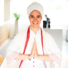 sat-kirtan-became-a-business-yoga-specialist-in-order-to-help-professionals-relax-and-better-themselves-at-work-without-the-stress-of-finding-time-to-carve-out-of-their-busy-schedules-ep2370_thumbnail.png