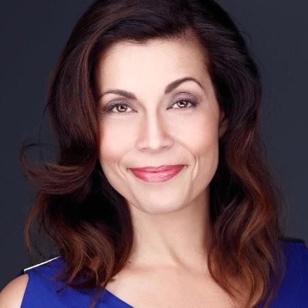 Bernadette Slowey is an Entrepreneur, Filmmaker, Coach, Speaker and Writer /Ep2569